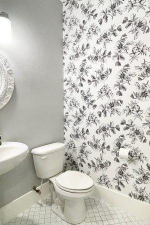 floral_bathroom_peel_and_stick_wallper